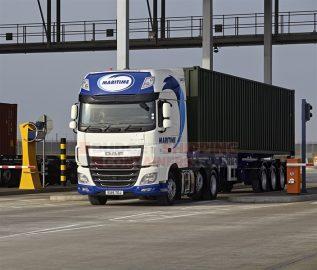 Maritime Shipping Contianer Truck
