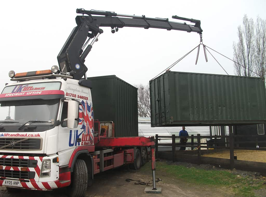 How to place a Shipping Container on site for storage use